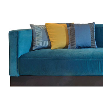 Mise-en-Avant-Blue-sofa